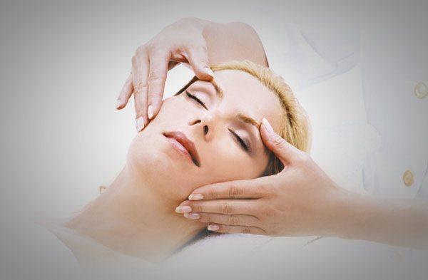 Massage mit Aloe Vera von labiocome®